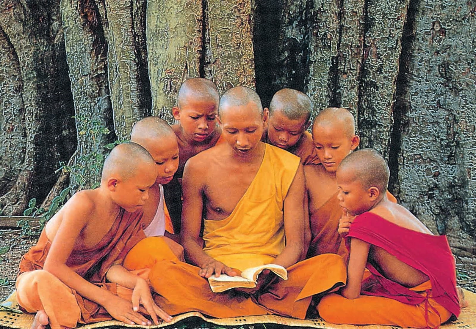 With About 100 Awakened Senior Students At The Time Of His Bodily Buddha Left No Secrets Nothing Hidden Or Occult He Shared All